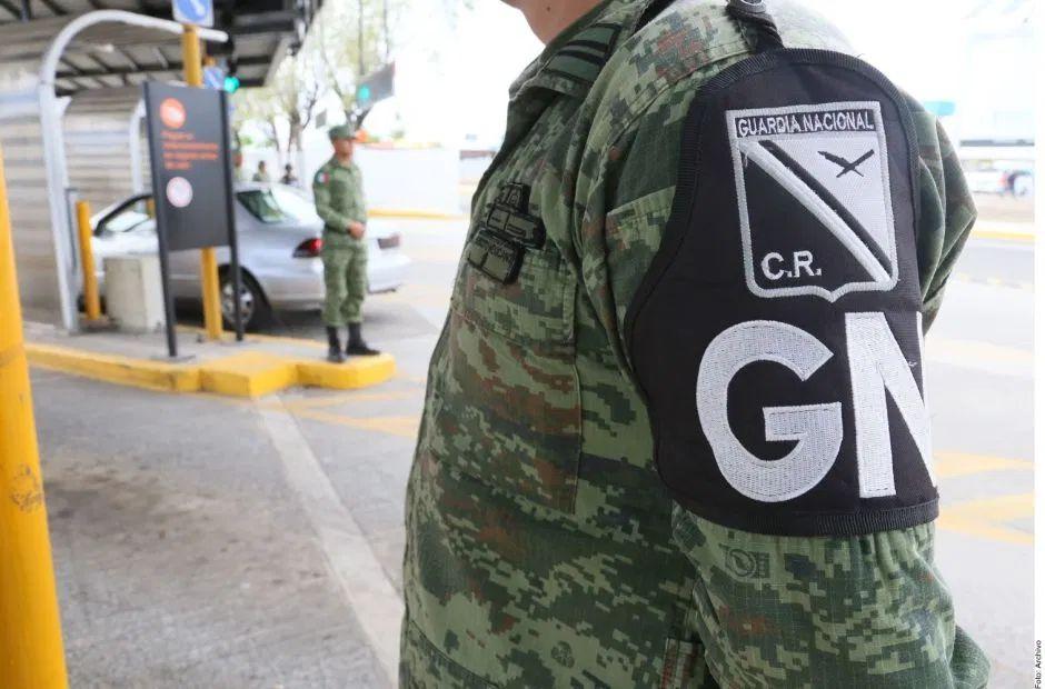 Guardia Nacional de México detiene a hombre con 1500 pastillas de fentanilo pegadas al cuerpo