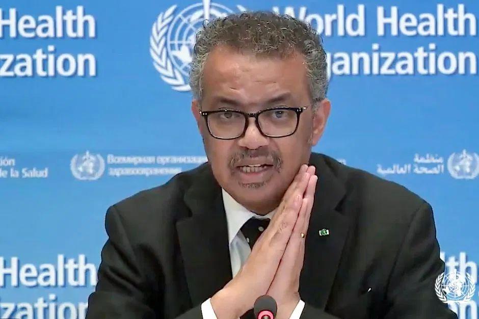"""El coronavirus """"estará con nosotros durante mucho tiempo"""", así que la pandemia puede repetirse, advierte la OMS"""
