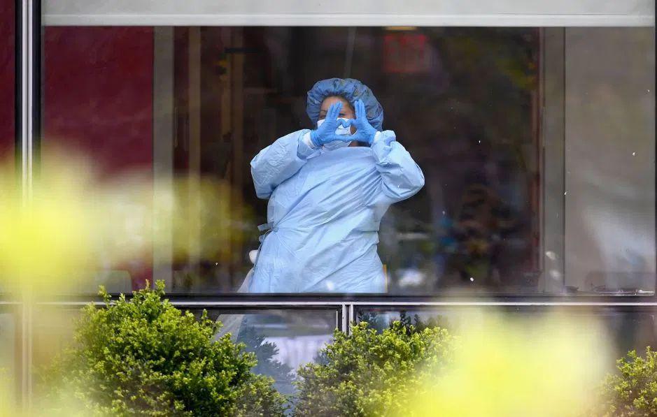 Demócratas presionan para asegurar permisos a inmigrantes con trabajos esenciales contra coronavirus