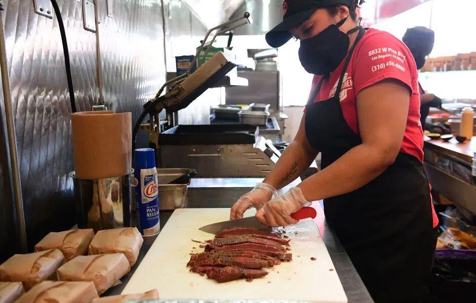 Cierran otra procesadora de carne en Estados Unidos tras cientos de casos de coronavirus