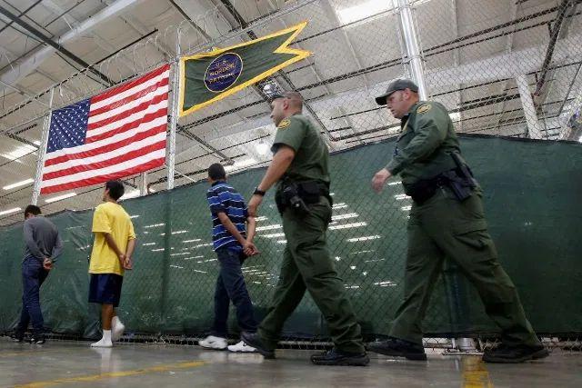 Deportaciones en 96 minutos, el tiempo récord para enviar a México a detenidos en la frontera