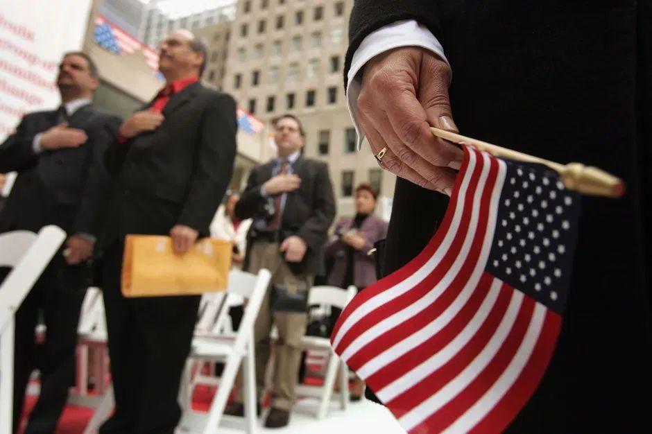inmigrantes tienen derecho a ayuda federal