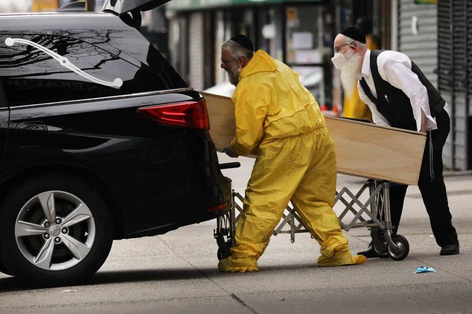 La Casa Blanca advierte que las muertes seguirán aumentando y que el brote resurgirá más adelante