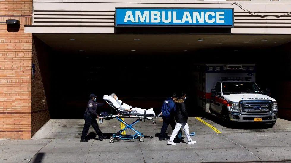 EE.UU. supera los 400 mil casos de COVID-19 y los 13 mil muertos