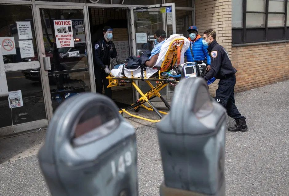 EEUU registra más de 2,400 muertes en un solo día, nuevo récord desde que comenzó la pandemia