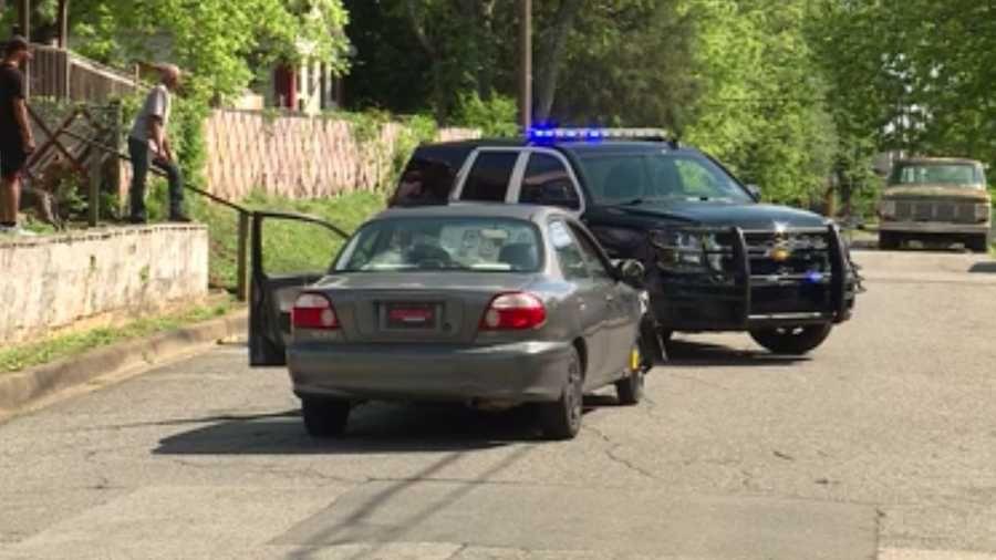 Arresto después de persecución de vehículos en Tarrant