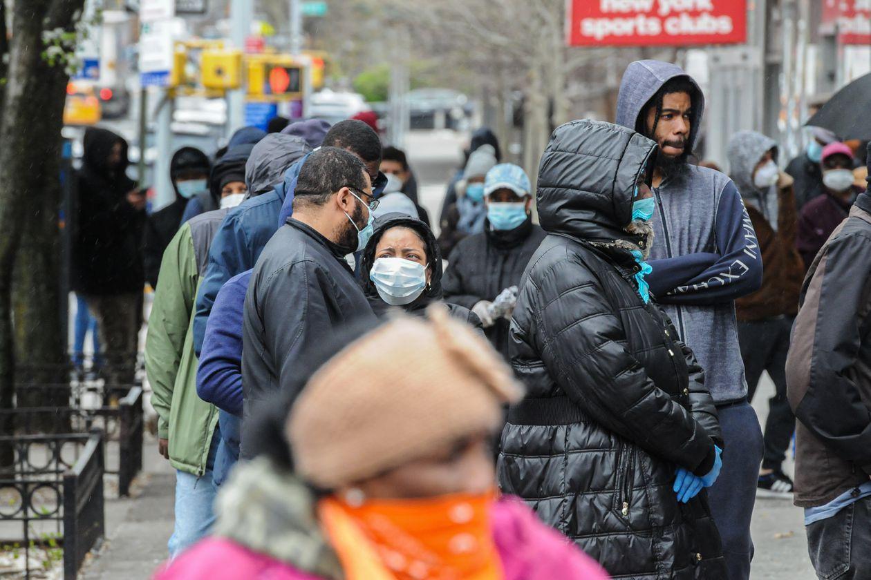 Estados Unidos obligará a usar mascarillas en la calle