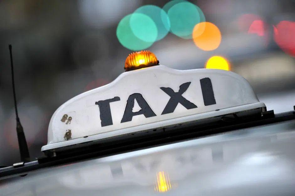Taxista lleva a su país a estudiante italiana, atrapada en España, completamente gratis