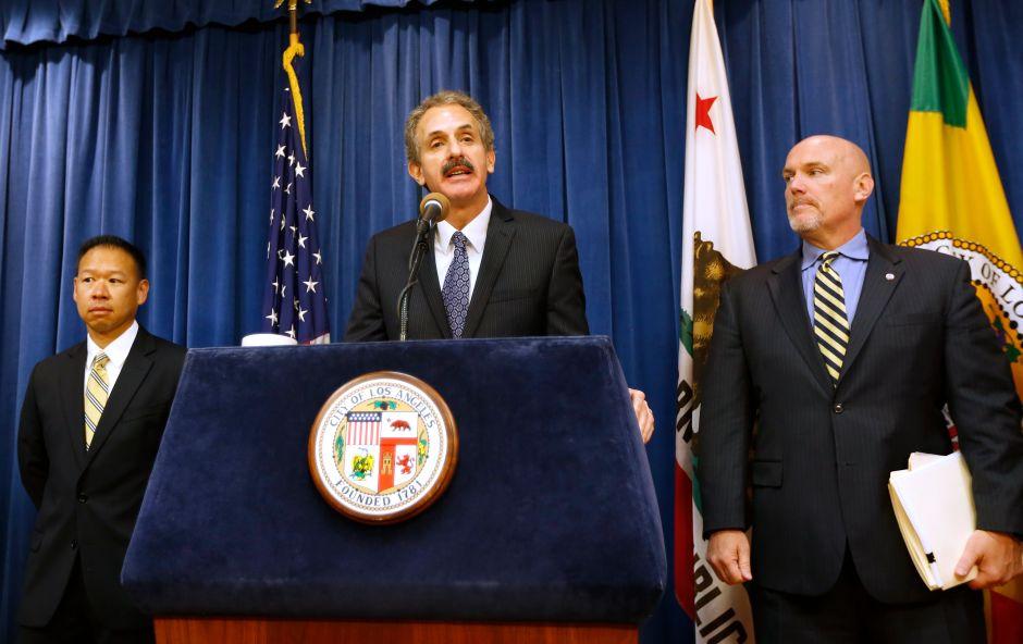 Fiscal de Los Ángeles demanda a compañía por vender un producto milagroso que protege contra el coronavirus
