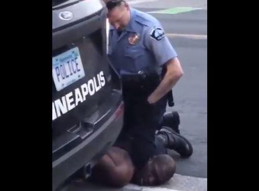 Detienen al agente acusado del asesinato de George Floyd en Minneapolis