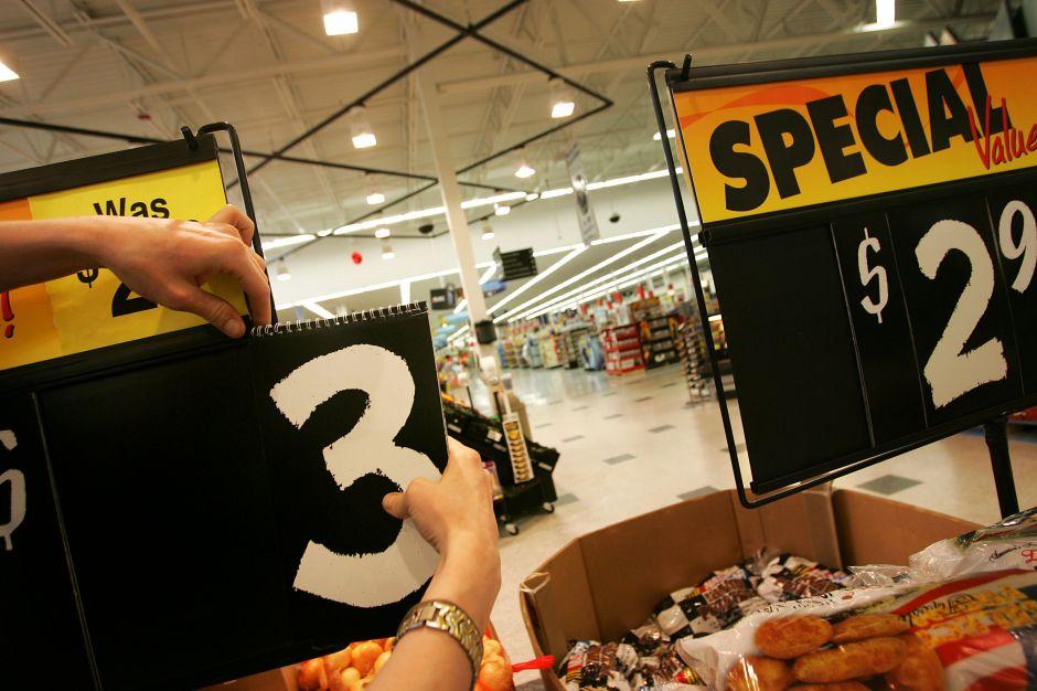 Los precios caen en EEUU a niveles alarmantes mientras una parte del país continúa paralizado