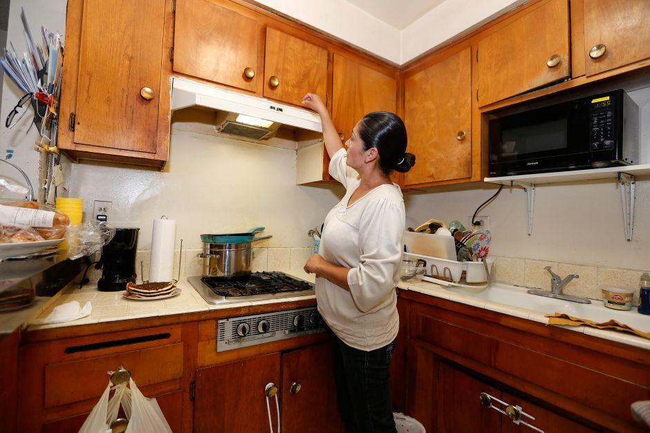 Los Ángeles ayudará con la renta a inquilinos impactados por COVID-19