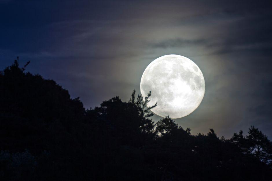 """La """"luna de fresa"""" que será visible desde cualquier lugar este fin de semana"""