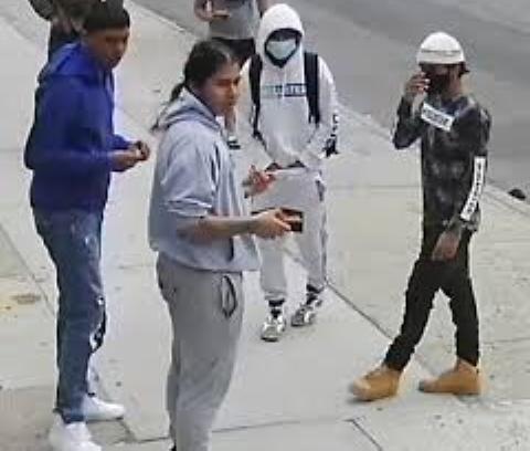 Hispano de 20 años muere tras ser golpeado brutalmente durante robo en Queens