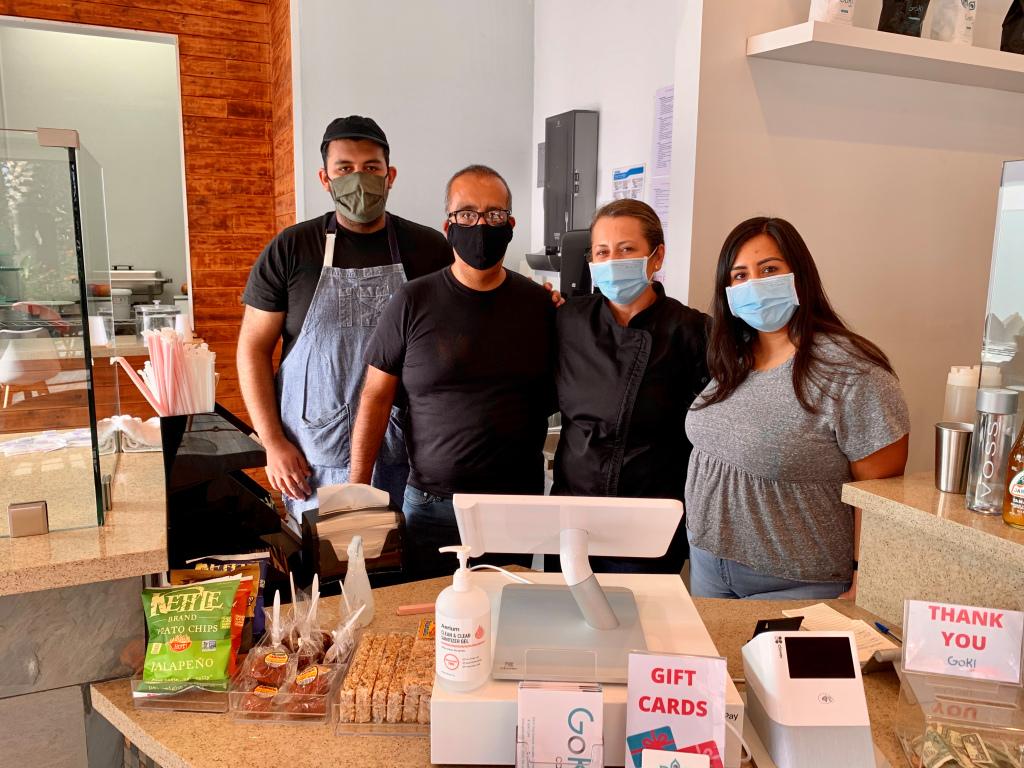 Familia de inmigrantes abre cafetería en plena pandemia de COVID-19