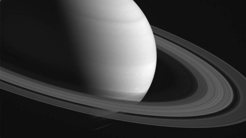 La noche de este lunes Saturno estará más cerca de la Tierra, permitiendo que se vean sus anillos y posiblemente alguna de sus 82 lunas