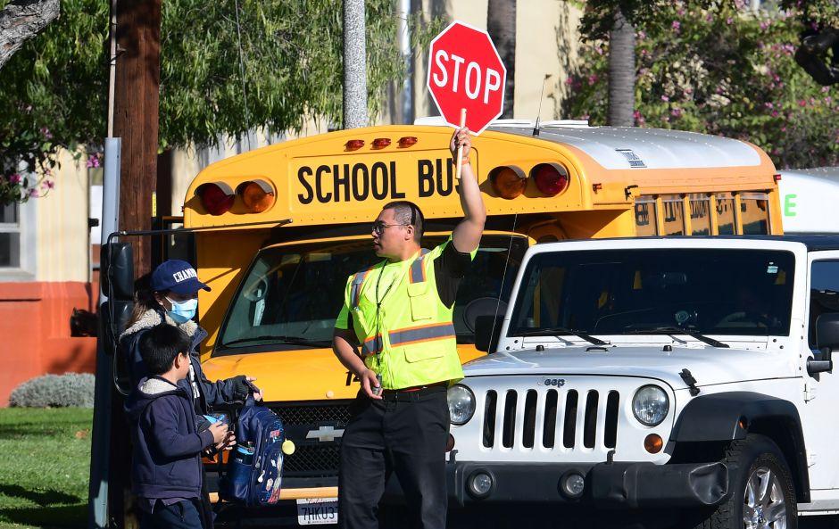 700,000 estudiantes de LA no saben si volverán a la escuela, pero superintendente tiene un pronóstico