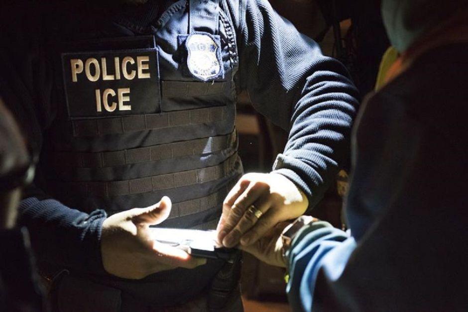 ICE aumenta toma de pruebas de coronavirus en centros de detención de familias