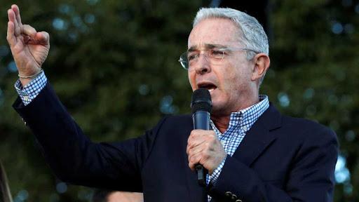 El expresidente colombiano Álvaro Uribe da positivo por COVID-19