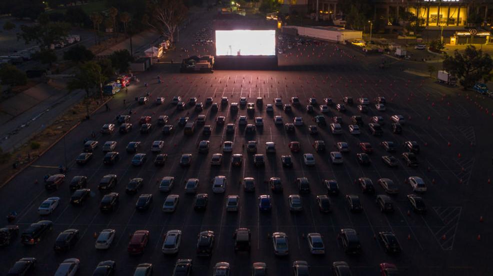 Walmart traerá experiencia de cine drive-in a estacionamientos, este otoño en Alabama