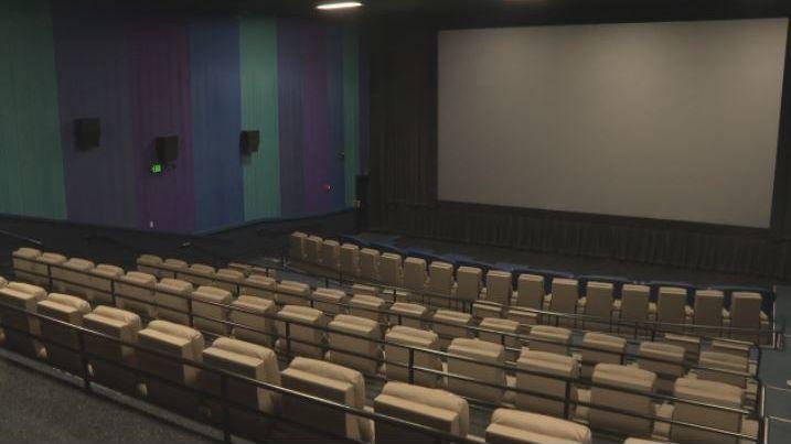 Algunos cines en el centro de Alabama anuncian planes para reabrir este mes