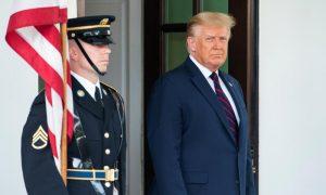 """Trump reitera la norma de """"carga pública"""" para quienes pidan residencia legal"""