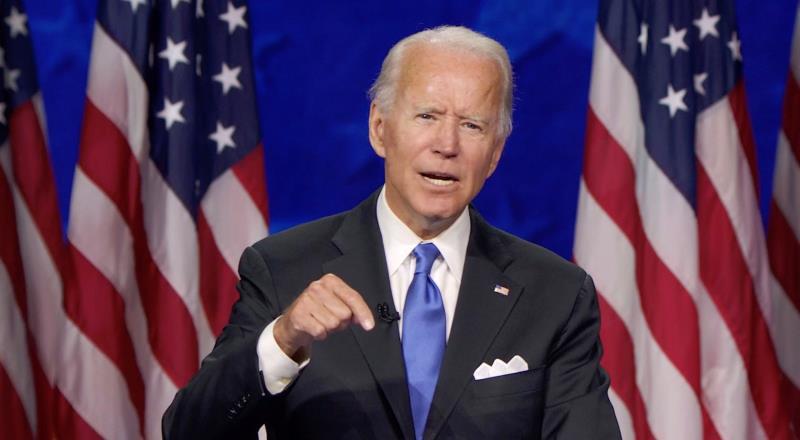 Biden erra al decir que 6.000 soldados murieron por el virus, en vez de siete