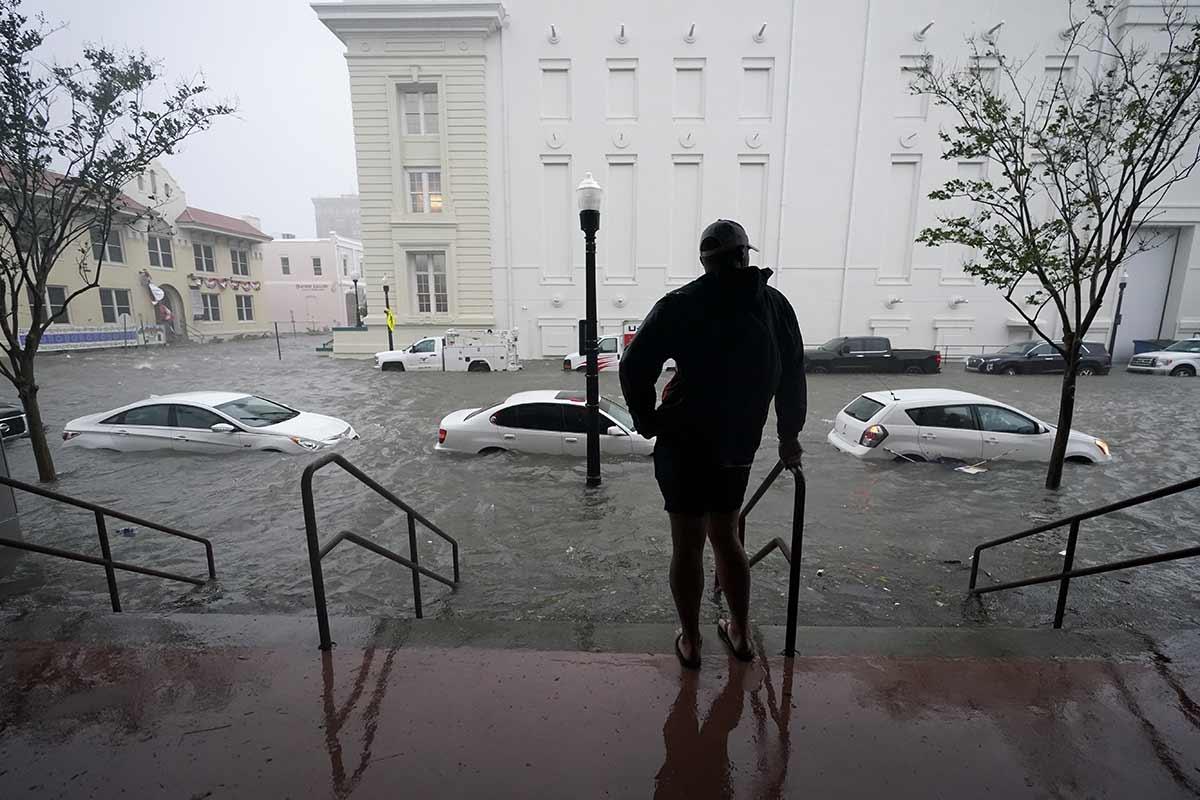 Huracán 'Sally' azota Alabama y causa severas inundaciones