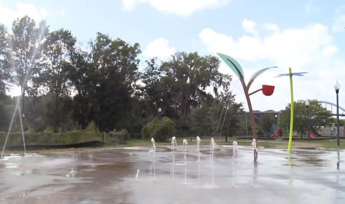 El tan esperado Splash Pad en Selma Riverfront, finalmente terminado