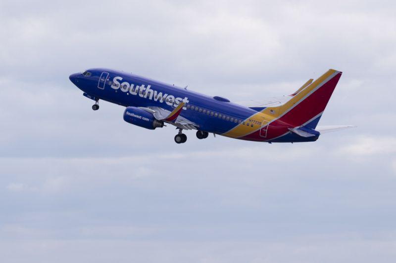 Southwest pide a sus empleados bajarse el sueldo para evitar despidos