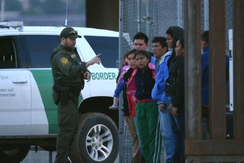Los Ángeles dará compensación a unos 18.500 inmigrantes detenidos ilegalmente