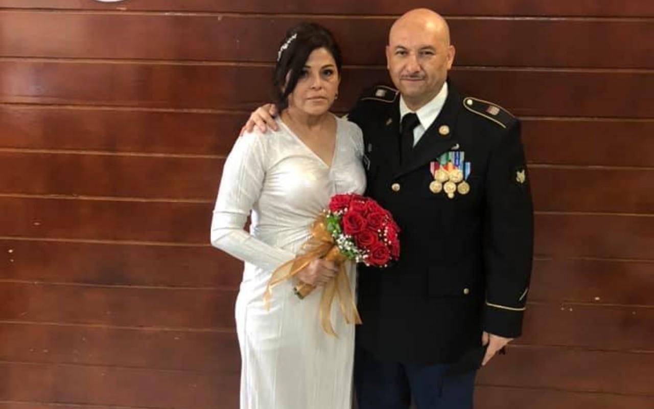 Defensores de migrantes contraen matrimonio en la frontera México-EE.UU.