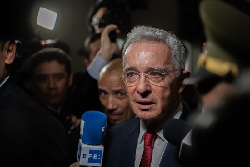 El Supremo colombiano deja en manos de una jueza la situación del expresidente Uribe