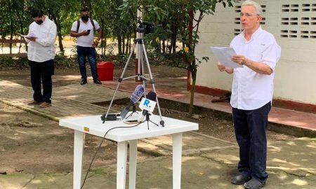 ex presidente alvaro uribe 1