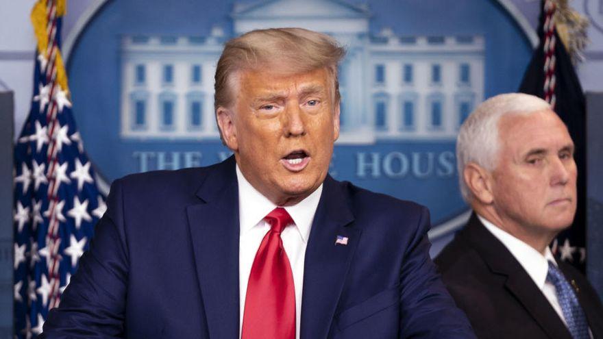 Trump sale a hablar del Dow Jones y la vacuna, pero evita la transición