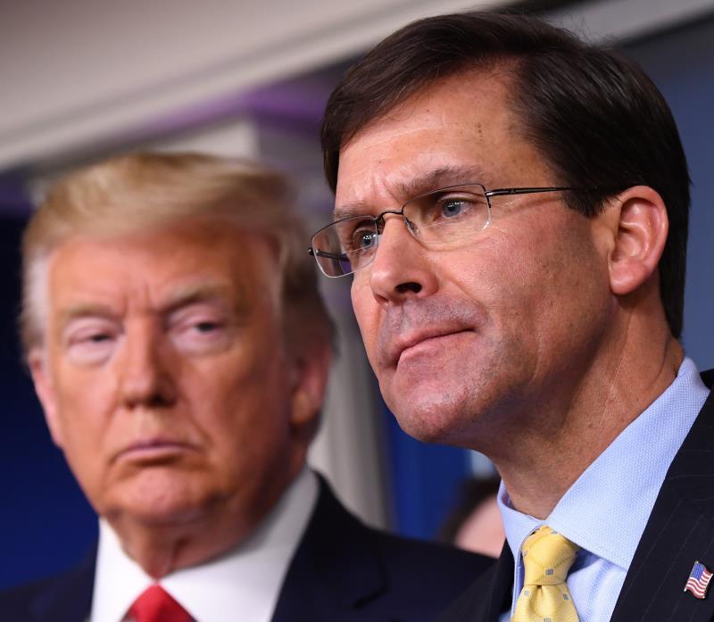 Trump despide de manera fulminante al secretario de Defensa