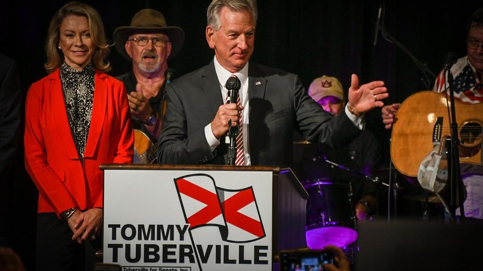 Tuberville derrota a Jones y cambia de asiento en Alabama