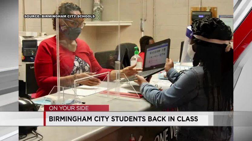 escuelas de Birmingham vuelven a clases combinadas