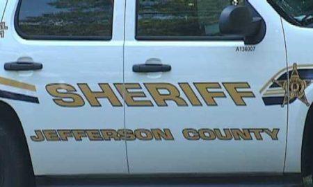Hombre murió después de caer y sumergirse con su vehículo en el lago McCalla
