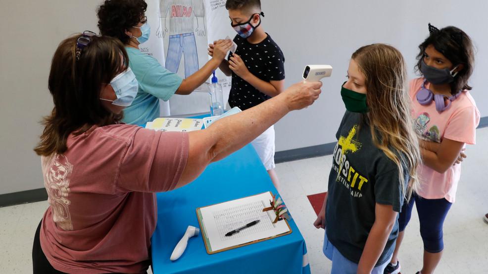 Los médicos permiten que los niños en cuarentena regresen temprano a la escuela