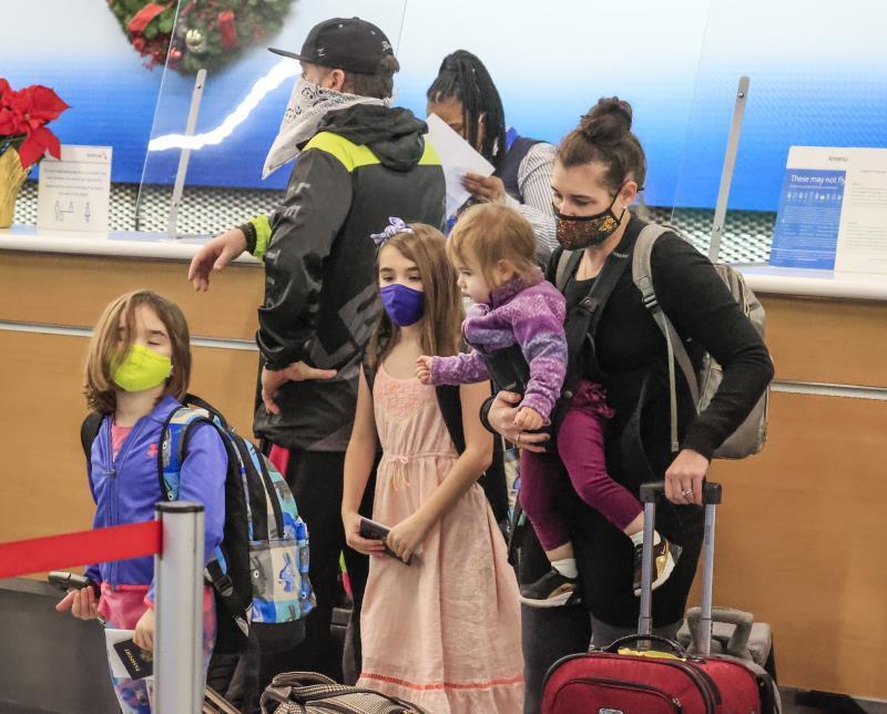 pasajeros en aeropuerto de Chicago