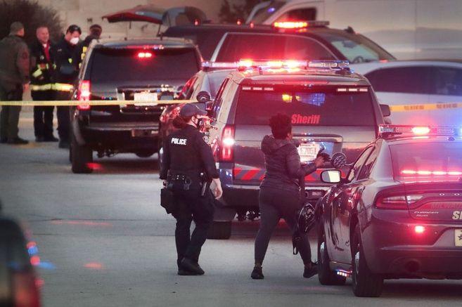 Varios heridos en un tiroteo en un centro comercial de Wisconsin
