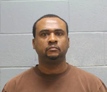 Hombre de Opelika arrestado y acusado de tráfico de drogas, el lunes por la noche