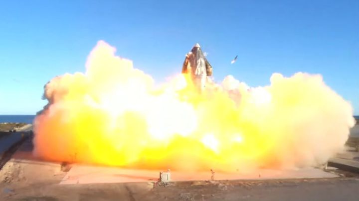 explosion nave space X