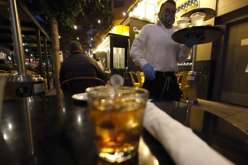San Francisco vuelve a cerrar bares y restaurantes por expansión de covid-19
