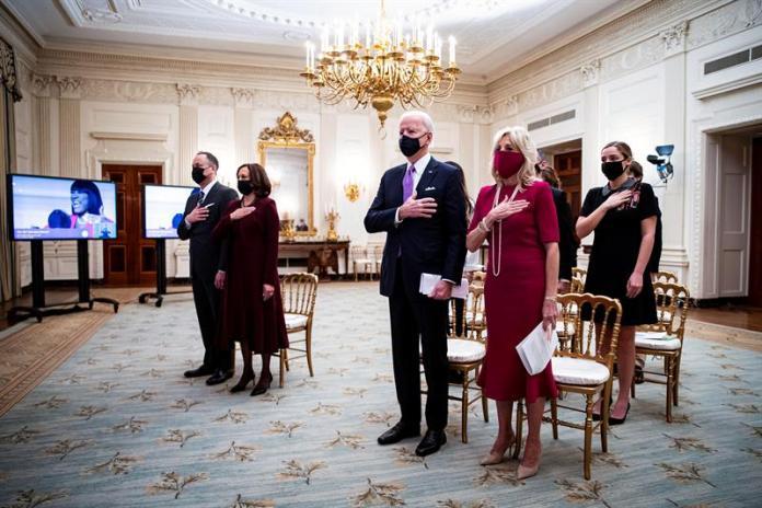 Biden y su esposa