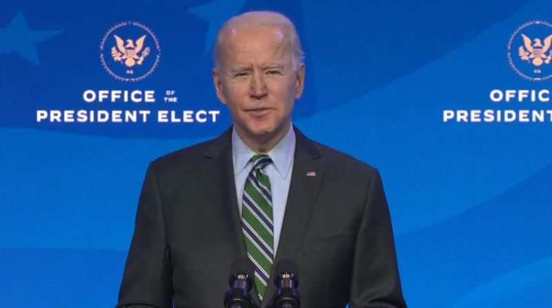 """Biden prepara un discurso de investidura """"optimista"""" en un EE.UU. en crisis"""