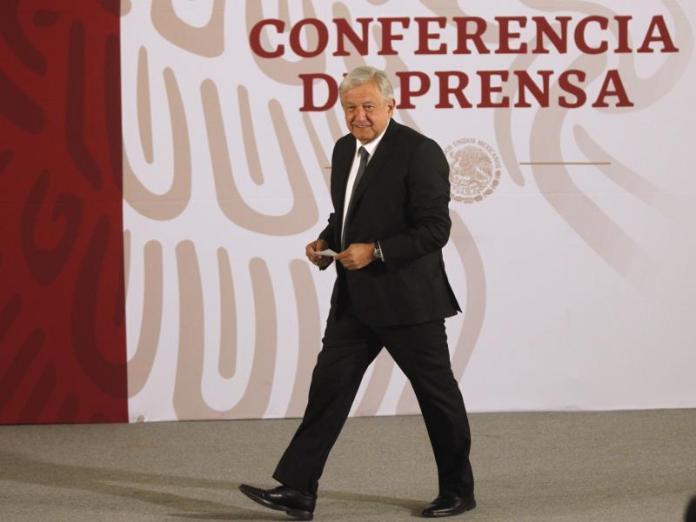 Presidente de México espera que Biden cumpla con una reforma migratoria
