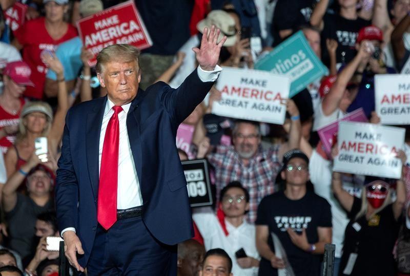 Trump mantiene las riendas del partido y hace pagar a quienes se oponen a él