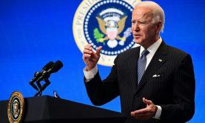 Biden celebra que EEUU ha puesto 50 millones de vacunas de covid en 5 semanas